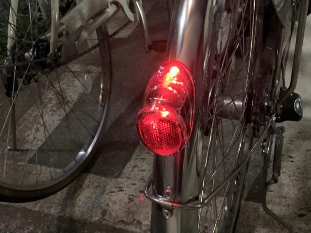 ビビDXのテールライト点灯の様子